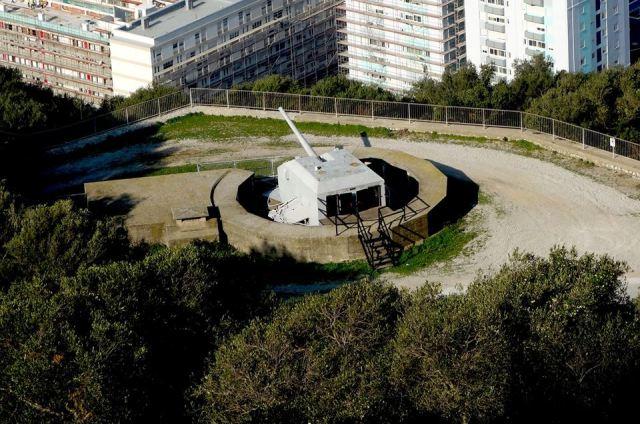 2nd World War 2 cannon
